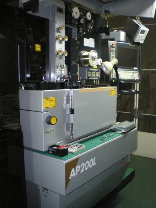 ソディック ワイヤー放電加工機